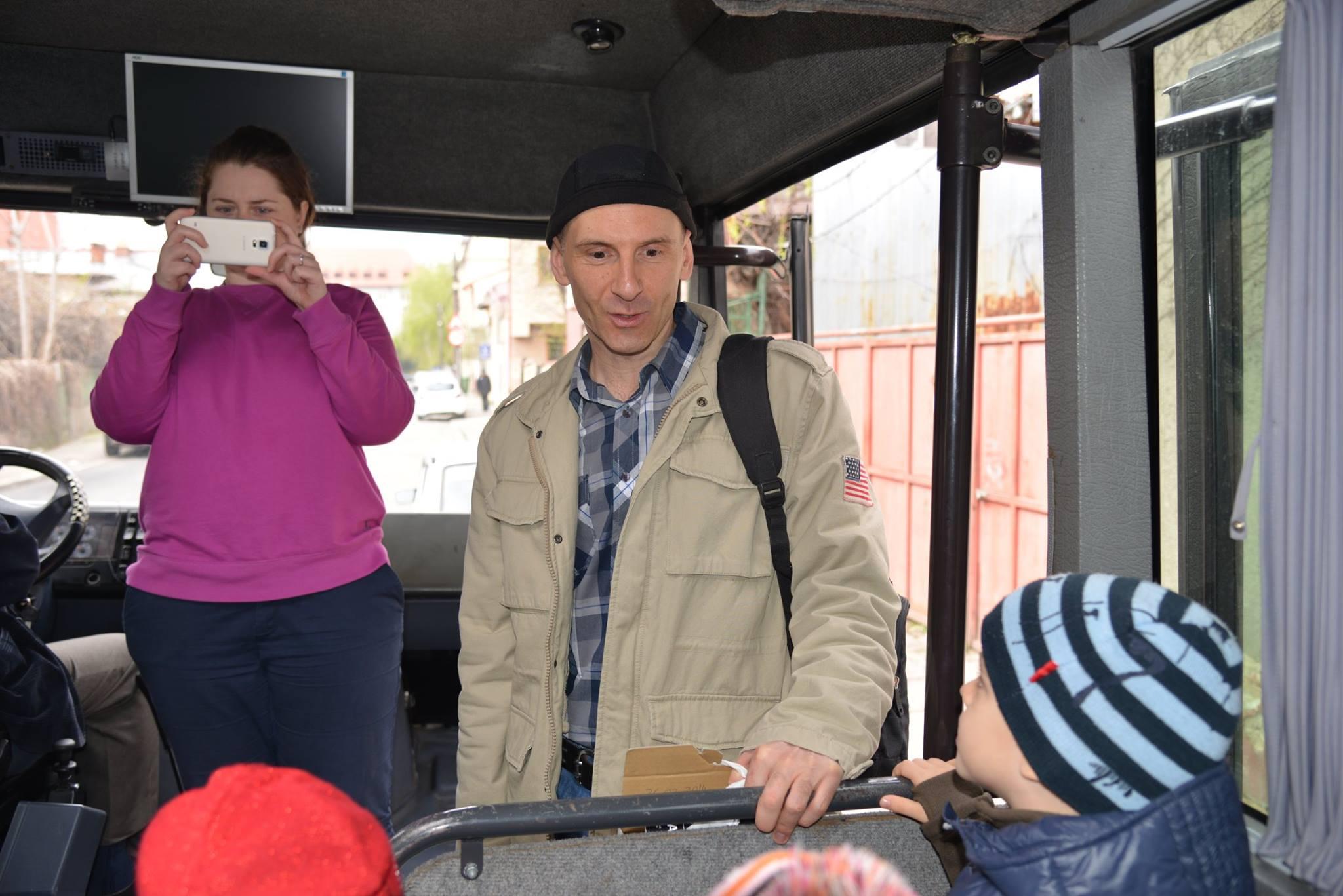 activitatisciale-scoalaaltfel-apr2015_05
