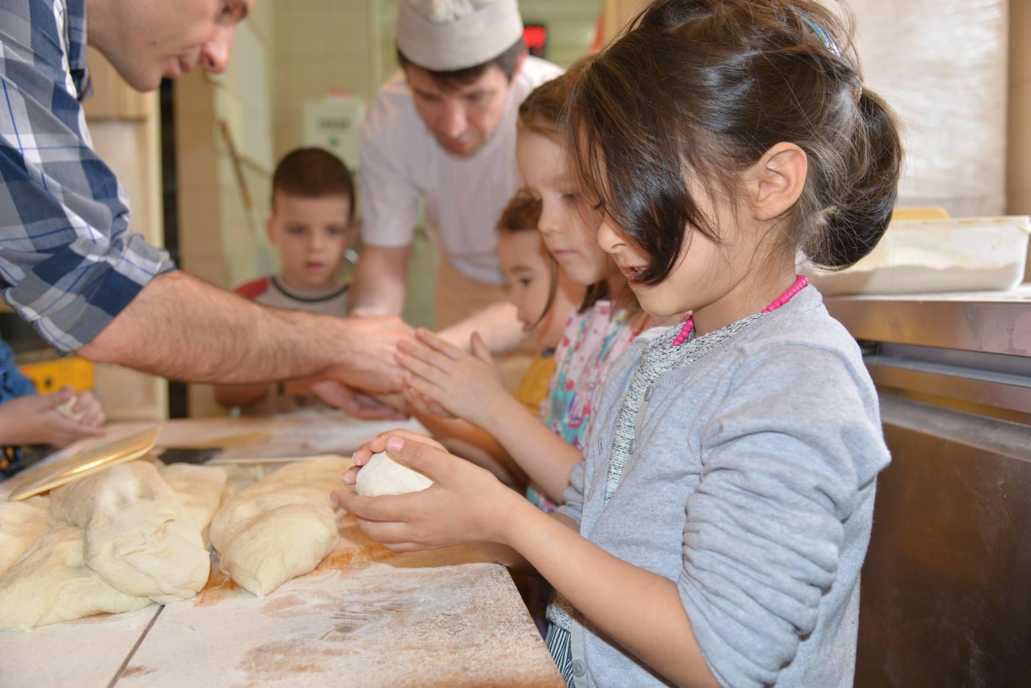 activitatisciale-scoalaaltfel-apr2015_14