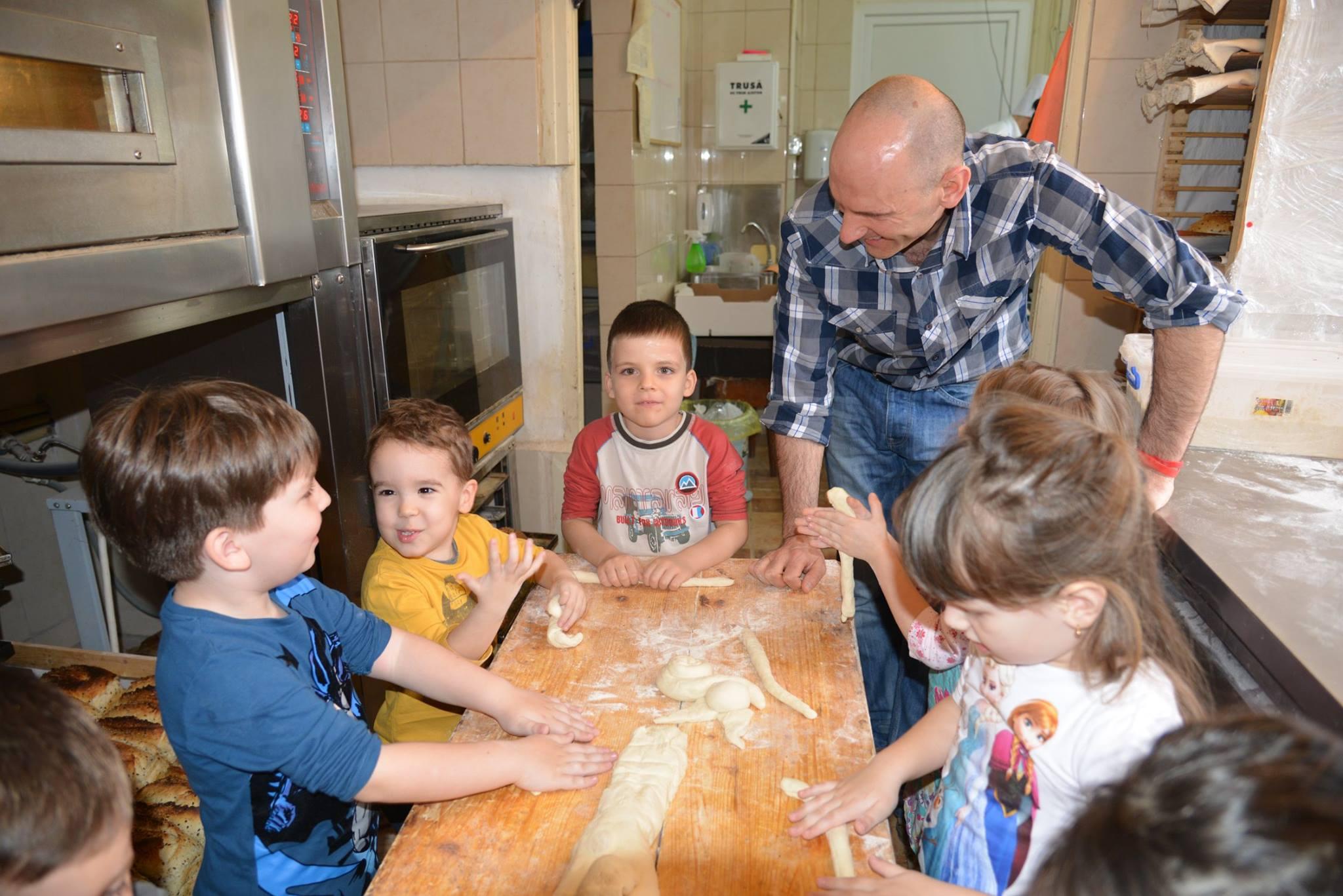 activitatisciale-scoalaaltfel-apr2015_25